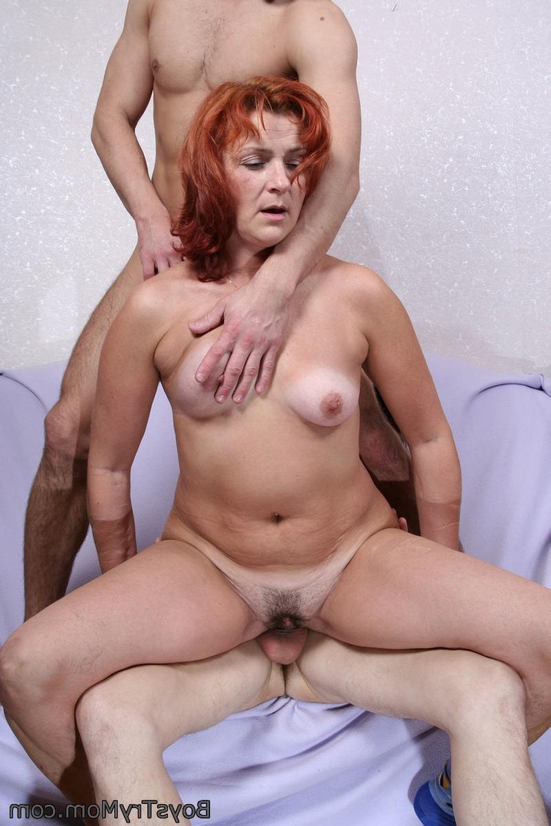 Секс вайф со зрелой нимфоманкой