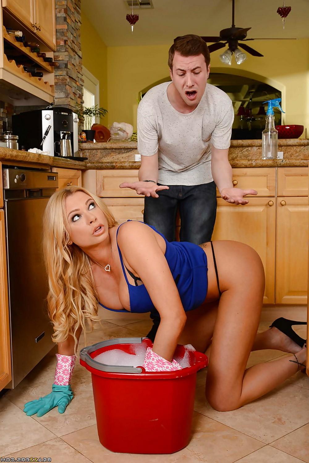 Домохозяйка Briana Banks соблазнила неопытного парня