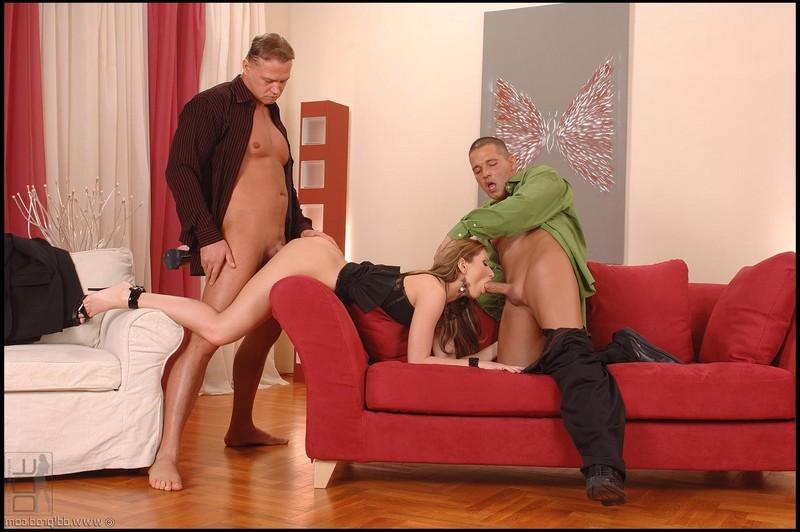 Electra Angel и два её ухажёра