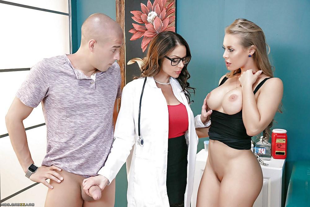 Секс в больнице с двумя грудастыми врачихами