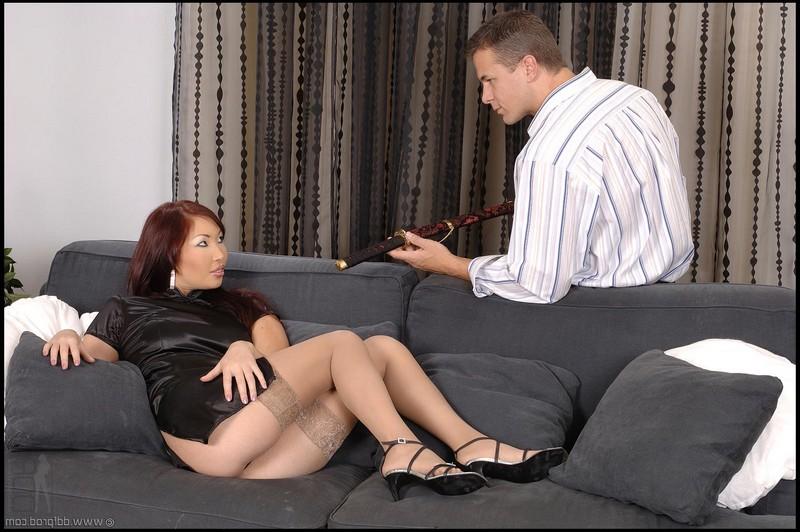 Соблазнительная Aisha Sun и её господин