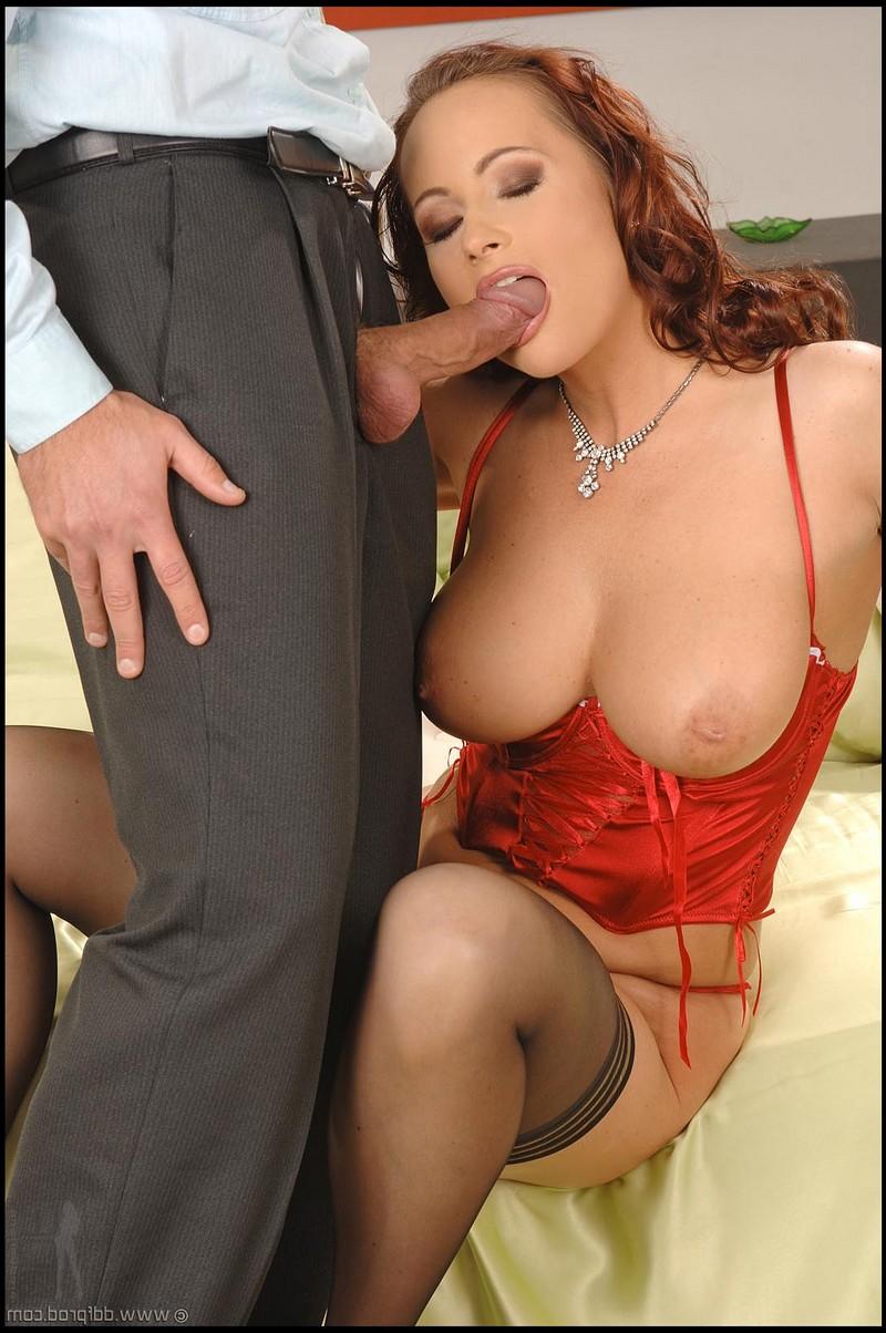 Katy Parker в сексуальном нижнем белье соблазнила мужика