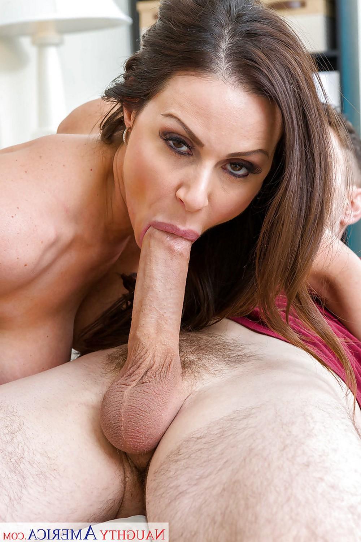 Kendra Lust соблазнила друга сына