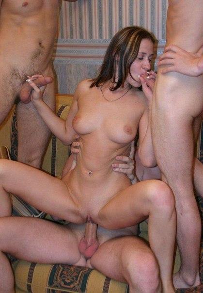 Немолодые леди хорошо проводят время со своими избранниками