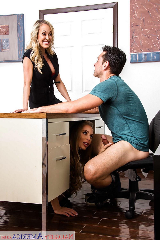 Офисные работницы Brandi Love и Nicole Aniston захотели трахаться