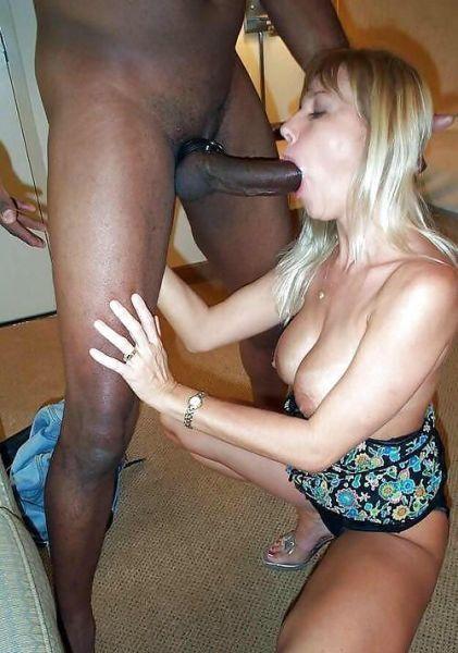 Белокожие дамочки отсосали черные члены