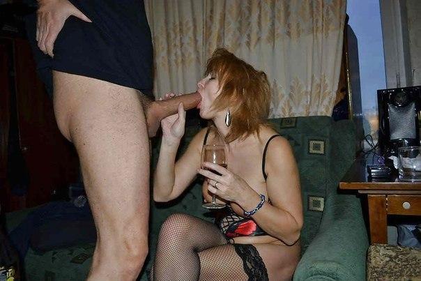 Зрелые красотки носят эротическое бельё перед мужьями