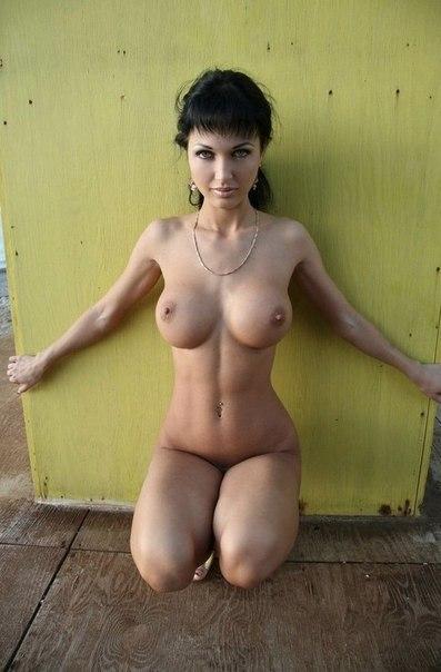Девушкам с большими грудями достаются отличные мужики