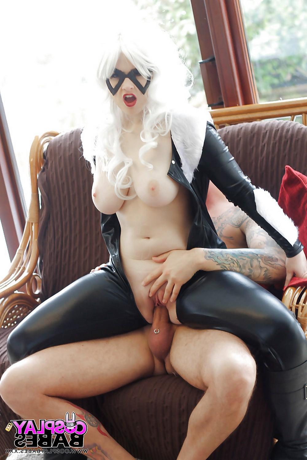 Jaye Rose в костюме женщины-кошки