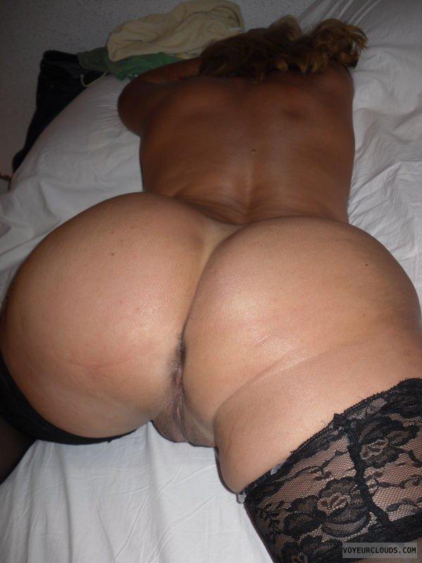 Домохозяйки заманивают потрахаться голыми телами